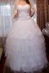 Продам белое свадебное платье в Кобрине ,  размер 42-46,  рост 165-170